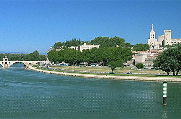 Avignon la cit des papes et ses environs tourisme - Distance entre marseille et salon de provence ...