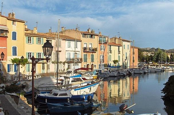Martigues entre m dit rann e et etang de berre tourisme - Distance entre marseille et salon de provence ...