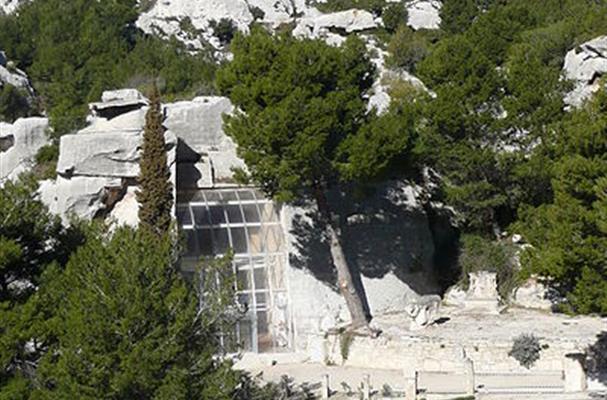 Le parc naturel r gional des alpilles tourisme bouches - Distance entre marseille et salon de provence ...