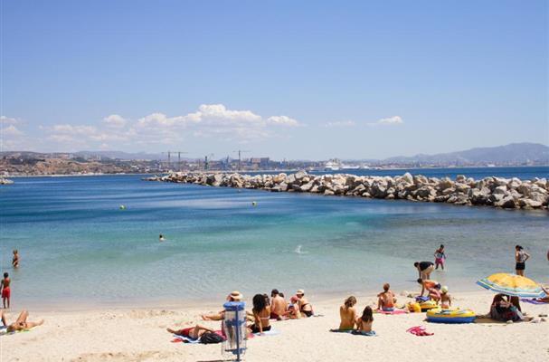 Les plages de la c te bleue pr s de marseille dans les bouches du rhone residence vacances - Plage la plus proche de salon de provence ...