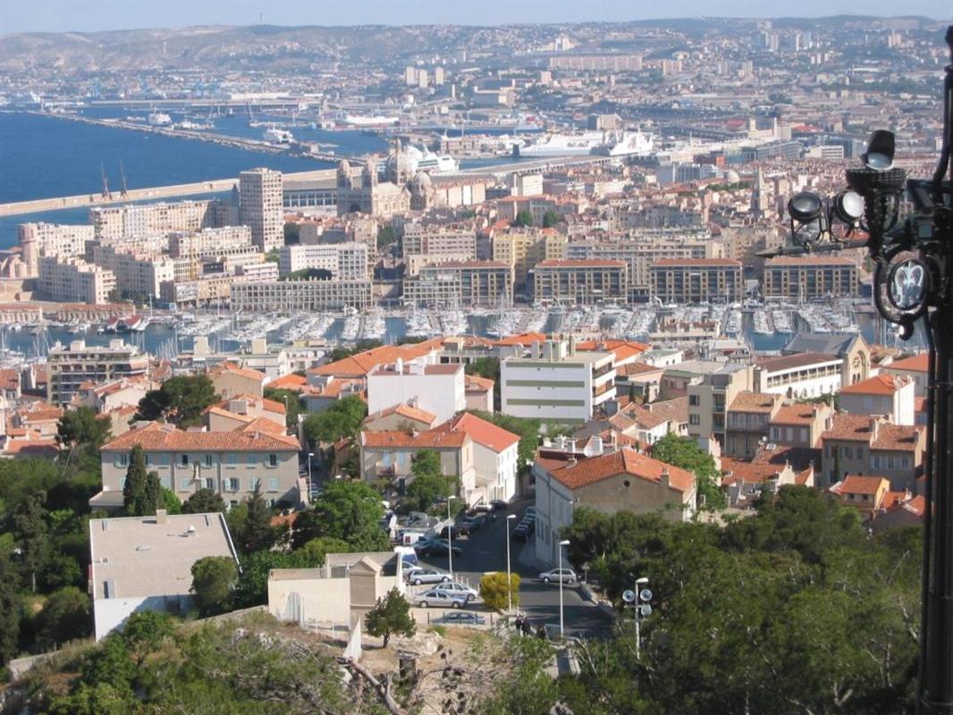 Marseille et ses environs location appartement avec for Location appartement bordeaux et ses environs