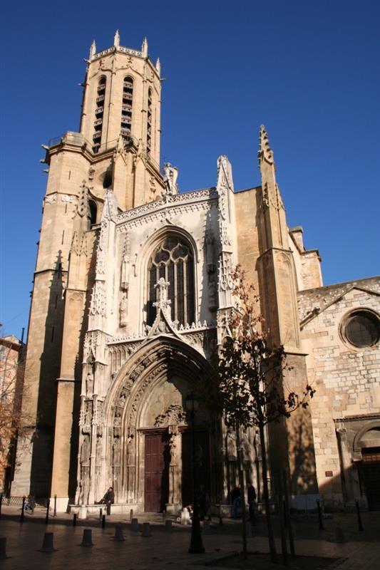 Aix en provence dans les bouches du rhone tourisme - Distance entre marseille et salon de provence ...