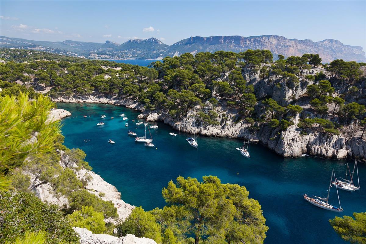 Les plus belles calanques de provence tourisme bouches du rhone vacances entre salon de - Plage la plus proche de salon de provence ...