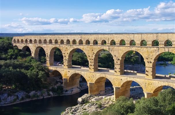 Le pont du gard dans le languedoc roussillon tourisme - Cinema les arcades salon de provence tarif ...