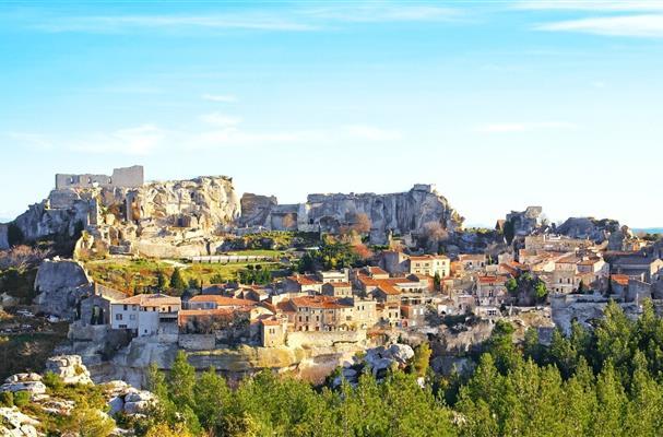 Les baux de provence entre arles et avignon tourisme - Distance entre marseille et salon de provence ...