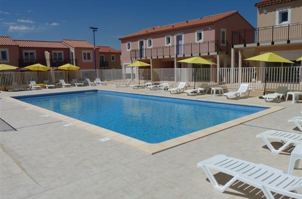 Residence vacances avec piscine exterieure chauffee proche for Piscine chauffee marseille
