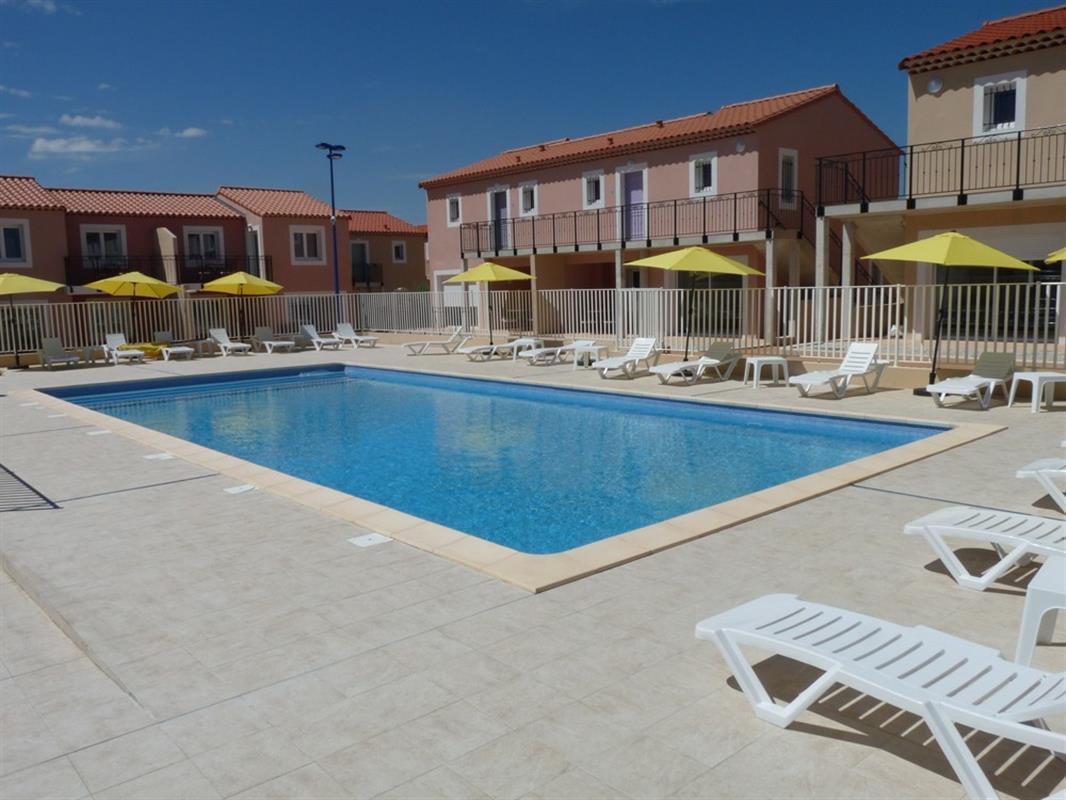 Piscine extrieure chauff e la r sidence de vacances la for Residence piscine